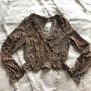 H&M cropped leopard top